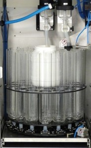 Probenverteilung 24 x 1.8 l selbstentleerende Flaschen plus 10 l Sammelbehälter- Sample distribution 24 x 1.8 l self-emptying bottles plus 10 l composite container
