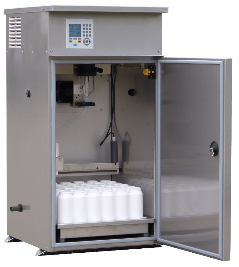 Abwasser-Probenehmer mit Brauchwasserspülung und Ablaufposition - Wastewater Sampler featuring automatic self-cleaning and drain outlet WS 316 SR